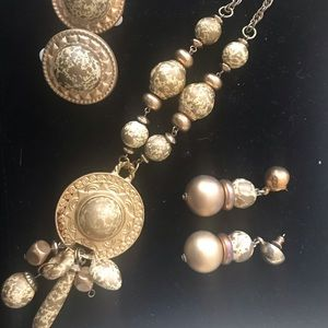 Old World Necklace and Earring Set - Joan Rivers